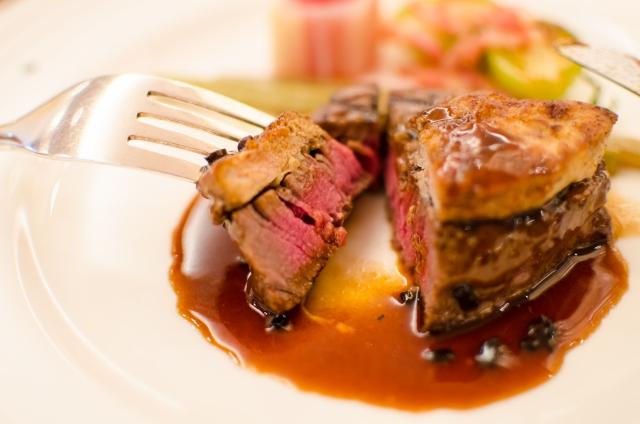 ステーキをおいしく食べる方法