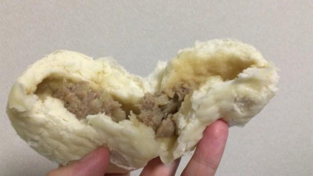 蓬莱本館の肉まん