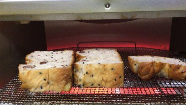 パンを焼きなおす